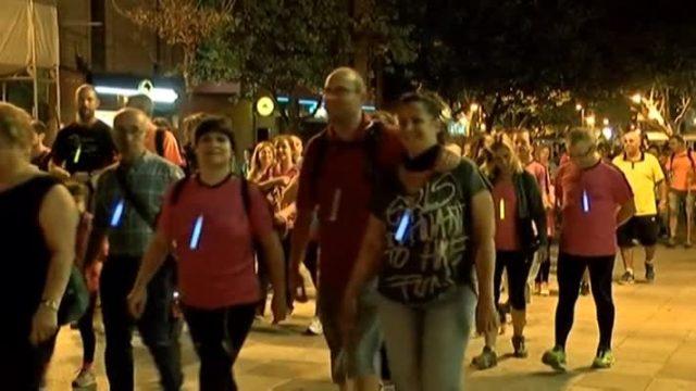 Més de dues mil persones participen a la caminada nocturna de Gallecs