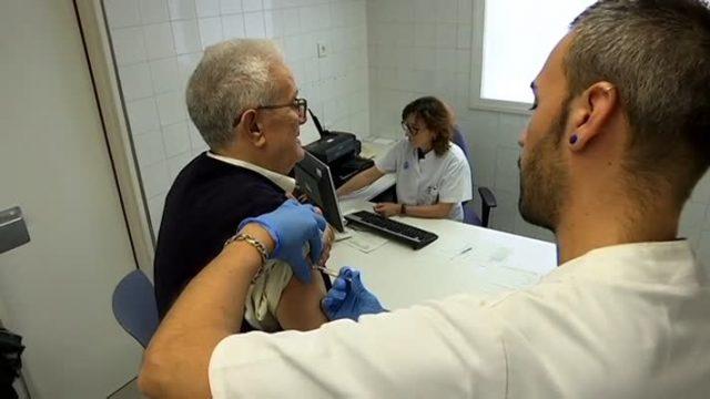Comença la campanya de vacunació de la grip