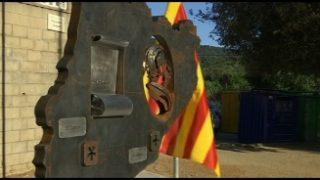 El nou monument de Ricard Mira ja llueix a la Plaça de la Sardana de Martorelles