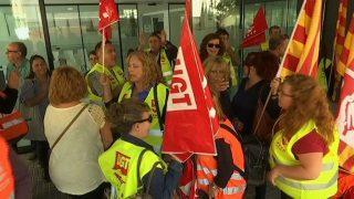 Concentració davant de l'Hospital Sociosanitari de Mollet per reivindicar millores laborals dels treballadors