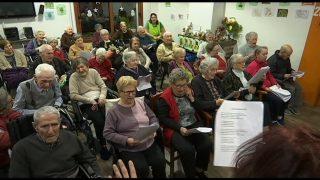 Els regidors de Martorelles visiten els usuaris de la residència Les Moreres per celebrar el Nadal