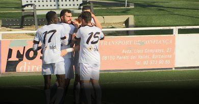 El CF Parets guanya al Folgueroles i segueix líder