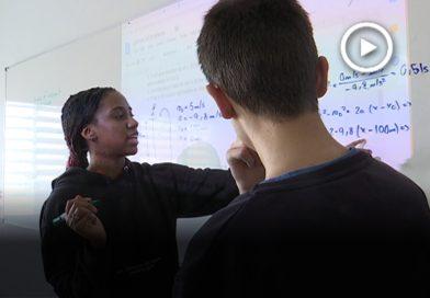 Una estudiant del prestigiós Massachusetts Institute of Technology imparteix classes a l'Escola Sant Gervasi