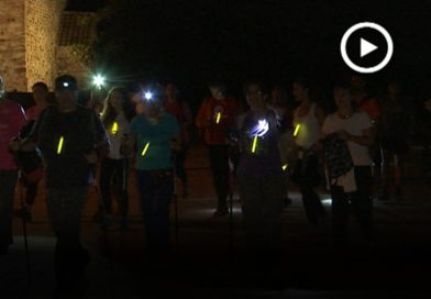 Més de 800 persones participen a la Caminada Nocturna de Gallecs