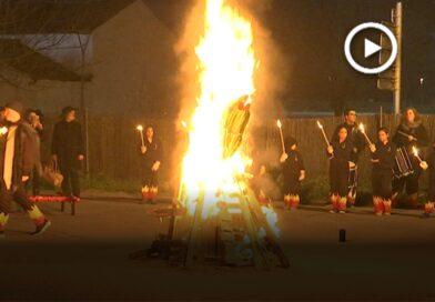 El Carnestoltes torna a la foguera, un acte que es recupera a Montmeló per acomiadar el carnaval