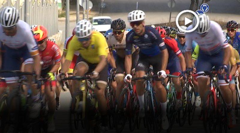 Un centenar de ciclistes participen en el Memorial Luís Cámara
