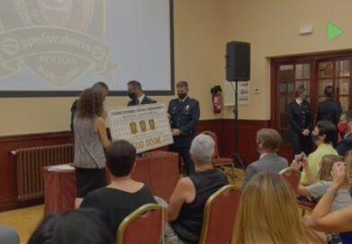 La Policia de Mollet recapta més de 5.000 euros per combatre el càncer infantil