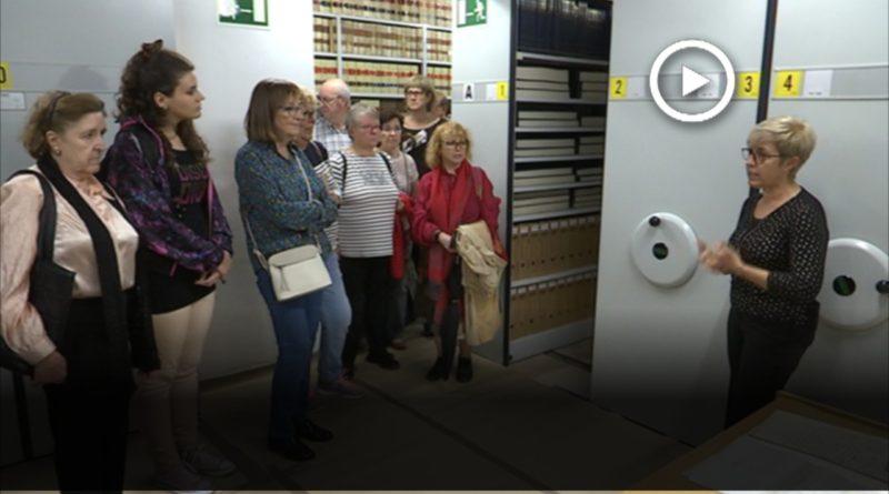 Una visita per descobrir els diferents espais de l'Arxiu Històric de Mollet